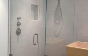 California Shower Doors custom sowers bath enclousures